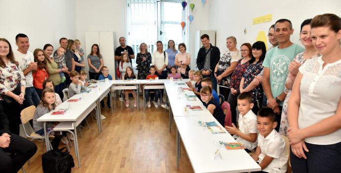 9fe44fa048 FOTO  Katolička osnovna škola – biskup Antun Škvorčević zaželio uspješan  početak školske godine